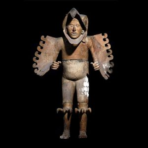 Eagle warrior sculpture (1440–69) Fired clay, stucco, pigment. On loan from Museo del Templo Mayor Photo by Michel Zabe © The Instituto Nacional de Antropologia e Historia (INAH)