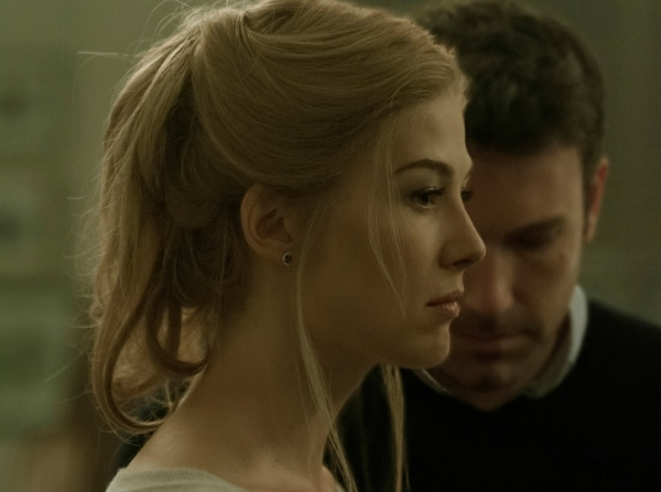 Rosamund Pike & Ben Affleck in 'Gone Girl' (2014)
