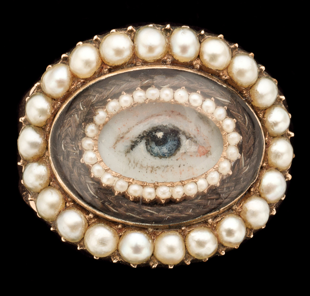 Gold Eye Ring c.1810. Courtesy of the Anne Schofield Collection.
