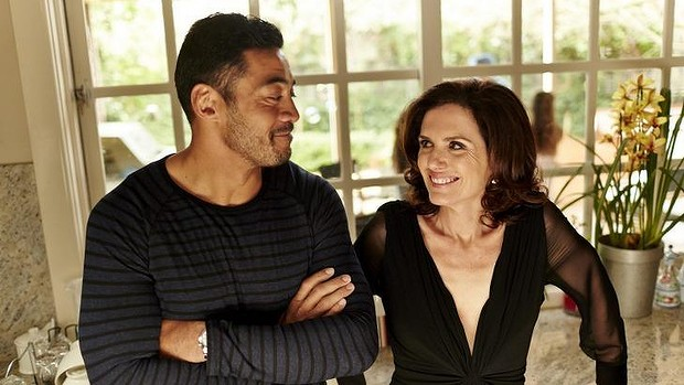 Robbie Magasiva (Sebastian) and writer Robyn Butler (Caroline) in 'Now Add Honey' (2015)